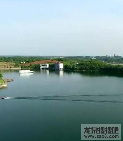鸟瞰成都龙泉湖